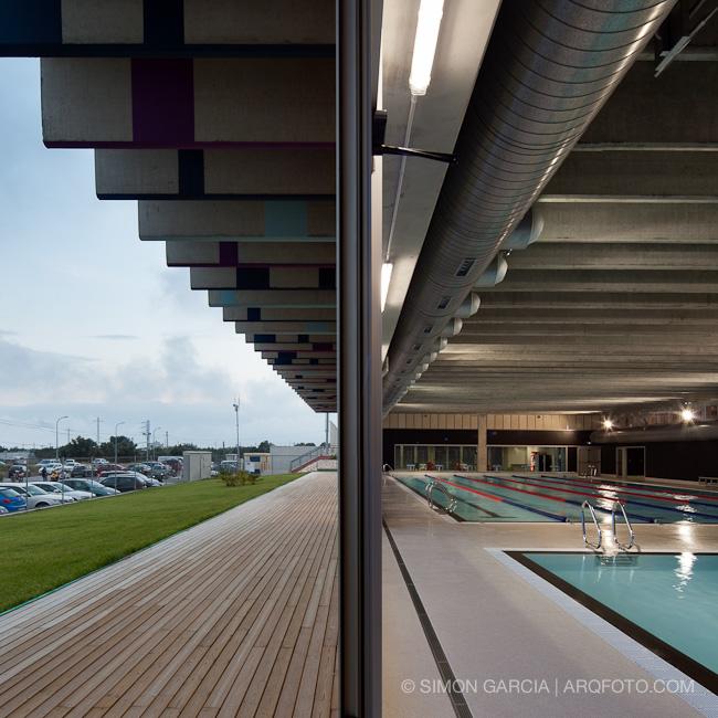 Reportaje fotografia arquitectura piscina ametlla de mar for Piscina cubierta zaragoza