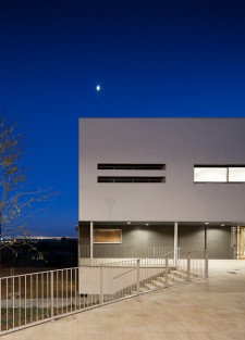 Equipamiento Can Baruta en Santa Coloma de Cervelló. Fotografia de arquitectura de Simon Garcia arqfoto