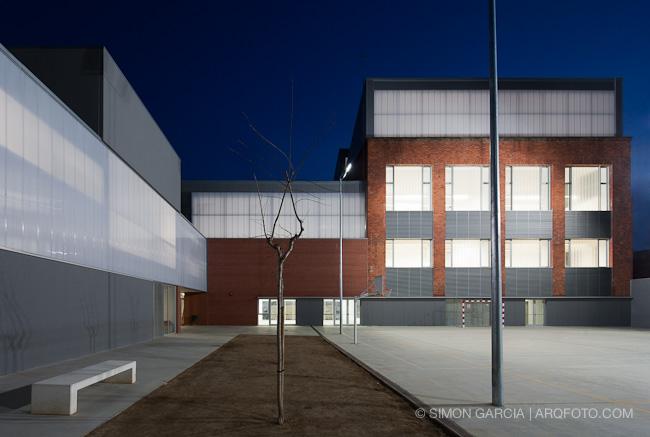 Reportaje fotografia arquitectura colegio nova electra terrassa sim n garc a arqfoto - Arquitectos terrassa ...