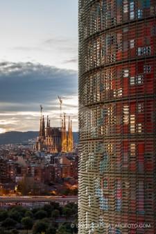 Torre Agbar en Barcelona. Fotografia de arquitectura de Simon Garcia arqfoto