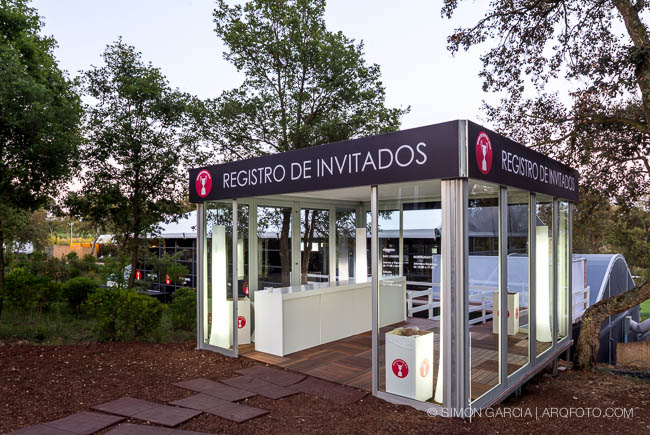 Reportaje de fotografia de arquitectura de una carpa de - Empresas temporales zaragoza ...