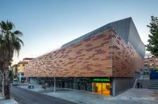 fotografia de arquitectura edificio-mercat-fondo-santa-coloma-gramanet-pich-aguilera-arquitectos-36
