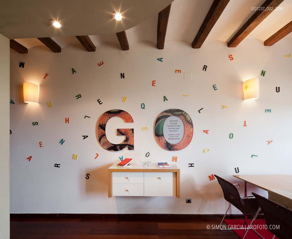 Fotografia de Arquitectura Apartamentos-Casa-de-les-Lletres-AAGF-arquitectos-SG1237_002_2296