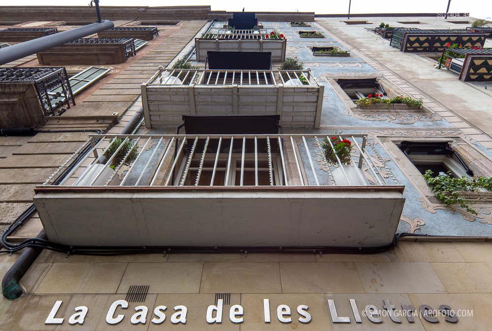 Fotografia de Arquitectura Apartamentos-Casa-de-les-Lletres-AAGF-arquitectos-SG1404_4900