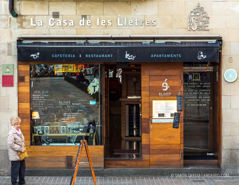 Fotografia de Arquitectura Apartamentos-Casa-de-les-Lletres-AAGF-arquitectos-SG1404_5075
