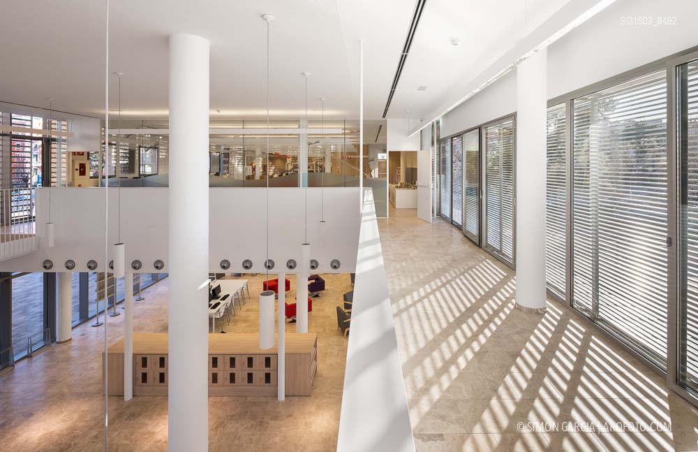 Biblioteca barcelona for Biblioteca arquitectura