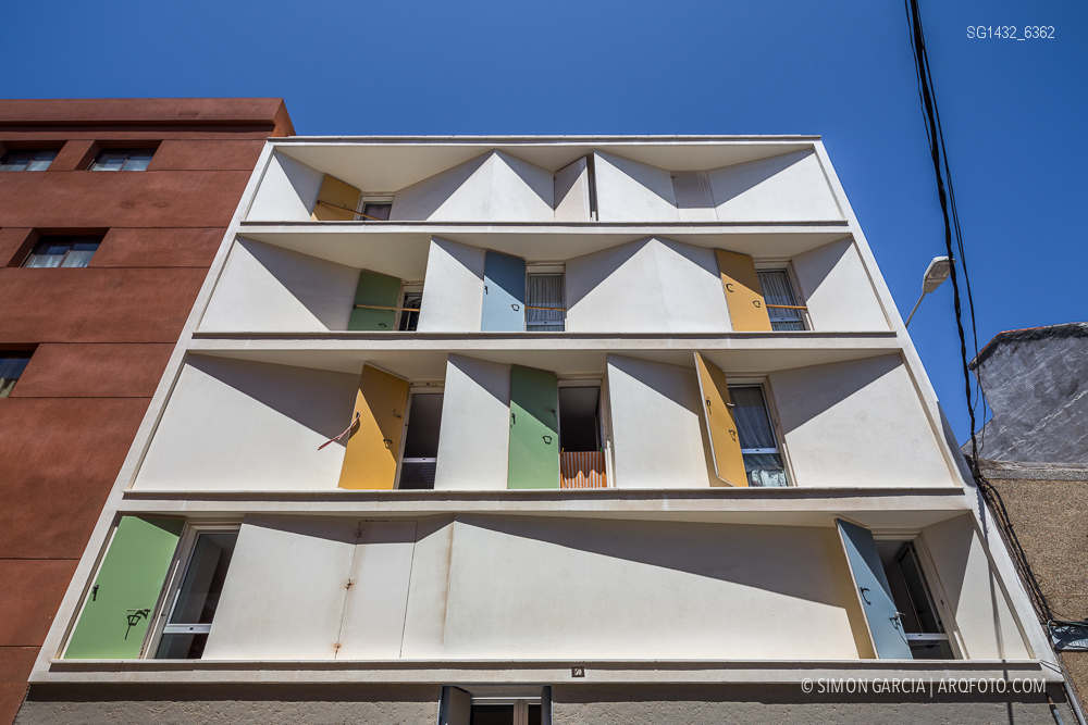 Fotografia de Arquitectura Bloque-viviendas-8-casas-y-3-patios-Las-Palmas-de-Gran-Canaria-Romera-Riuz-arquitectos-SG1432_6362