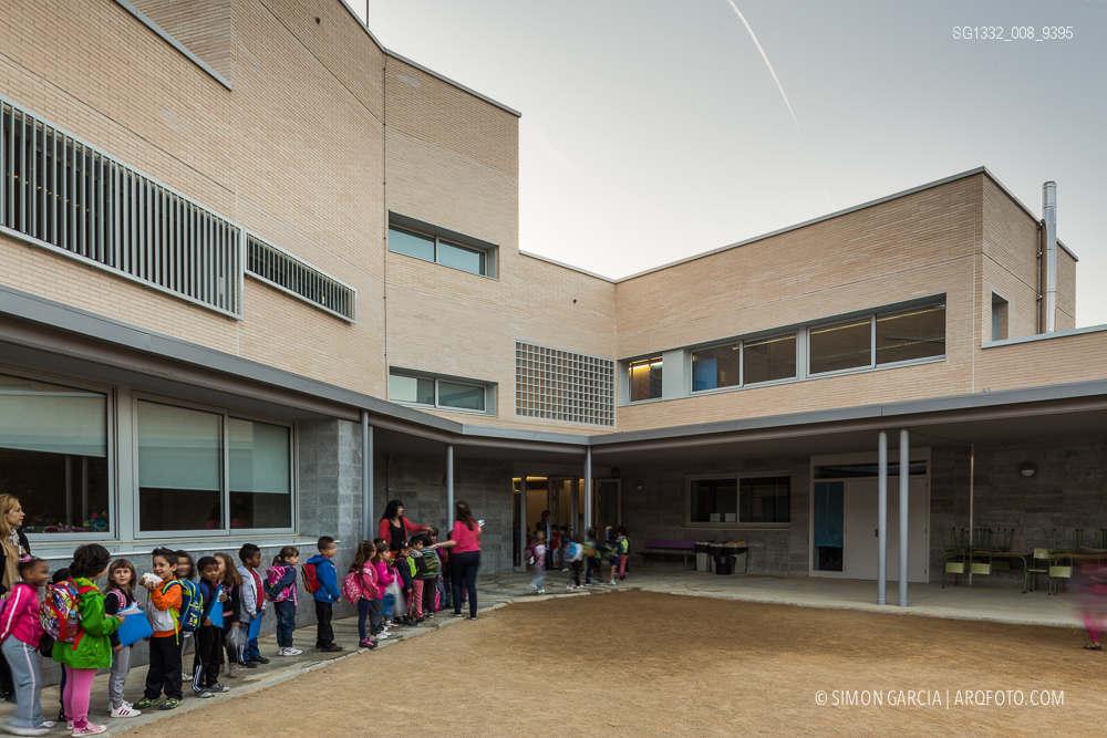 Reportaje de fotografia de arquitectura del colegio gaud for Sofas sant boi de llobregat