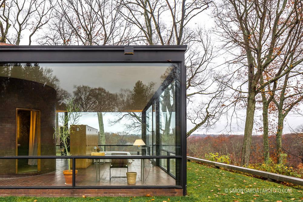 glass house philip johnson sim n garc a arqfoto. Black Bedroom Furniture Sets. Home Design Ideas