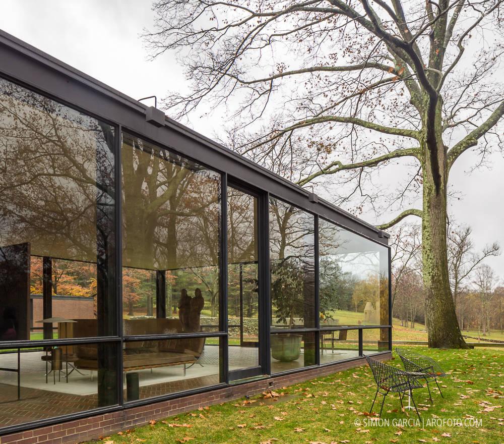 Glass house philip johnson sim n garc a arqfoto - Casa de materiales ...