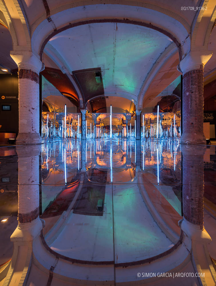 Fotografia de Arquitectura Instalacion-Miralls-Perspective-Playground-Olympus-04-SG1709_9136-2