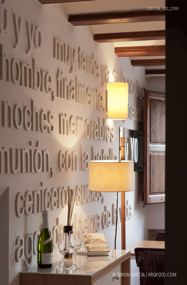 Fotografia de Arquitectura Apartamentos-Casa-de-les-Lletres-AAGF-arquitectos-SG1236_002_2103