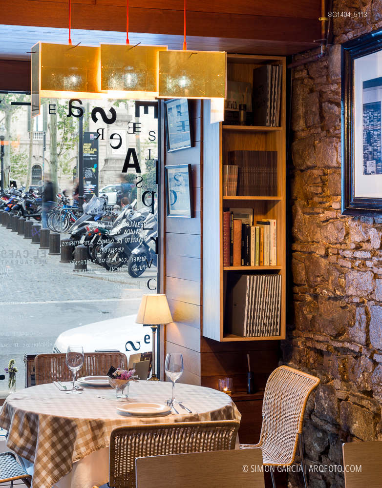 Fotografia de Arquitectura Apartamentos-Casa-de-les-Lletres-AAGF-arquitectos-SG1404_5113