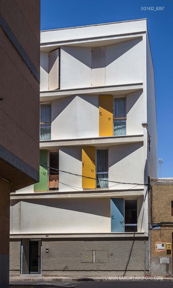 Fotografia de Arquitectura Bloque-viviendas-8-casas-y-3-patios-Las-Palmas-de-Gran-Canaria-Romera-Riuz-arquitectos-SG1432_6357